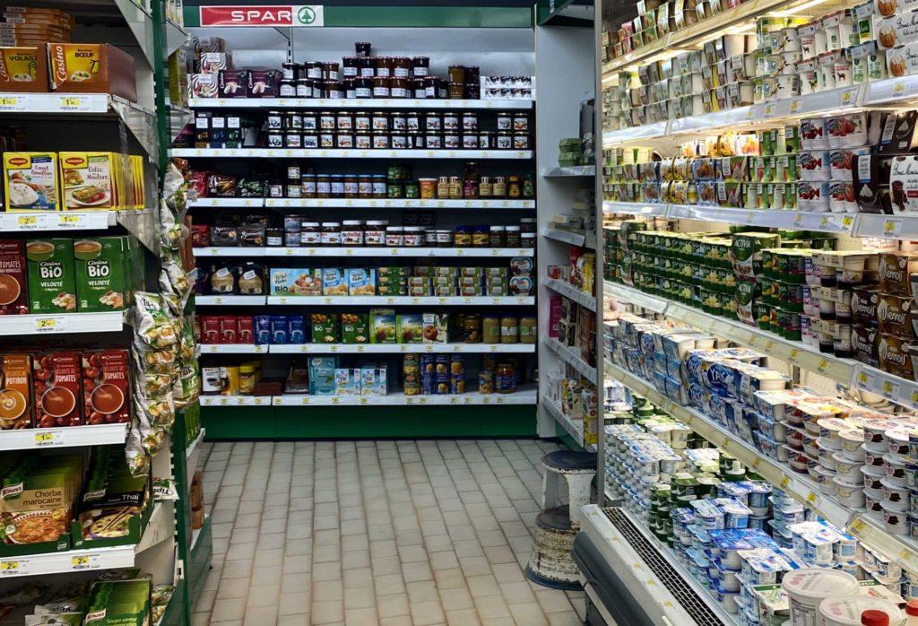 Intérieur magasin Spar