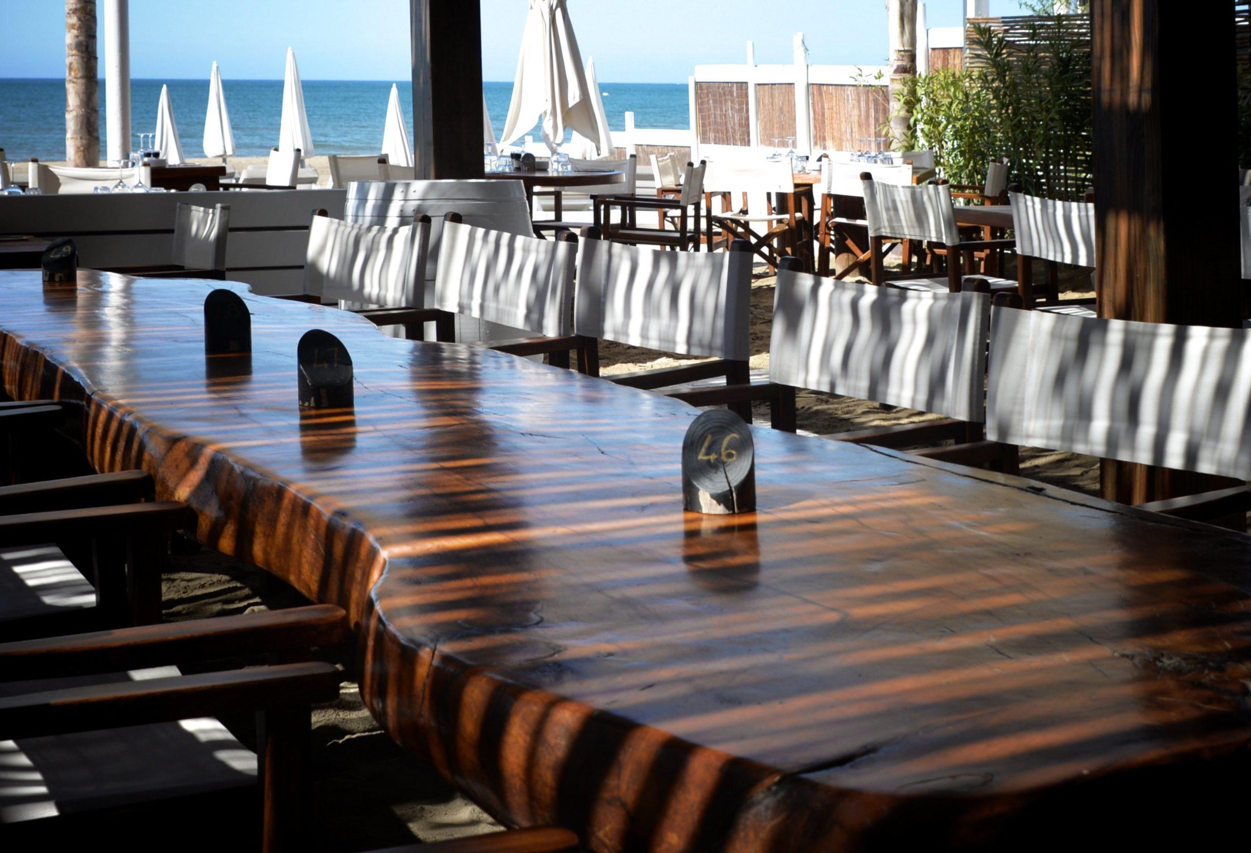 Grand table de la Plage du Golf Richelieu