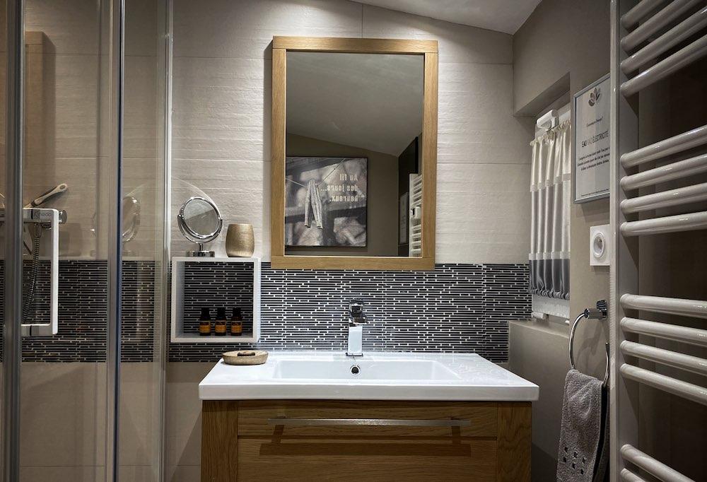 La Soulayla SDB 1 lavabo